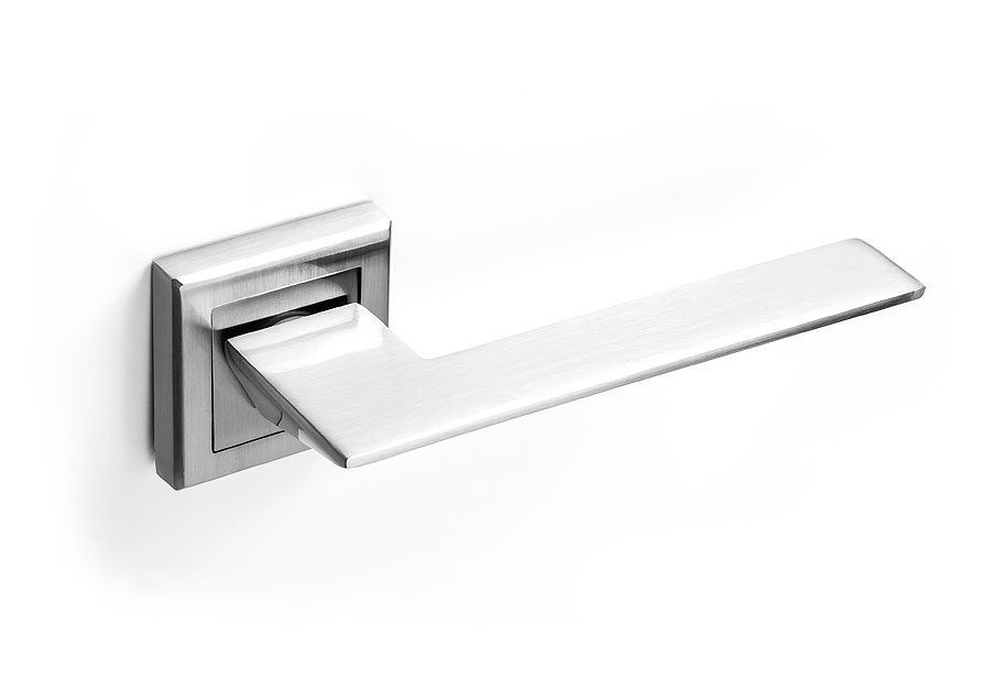 Manivela para puerta níquel con roseta cuadrada